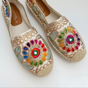 Soft Surroundings • Embroidered Espadrilles Sz 41